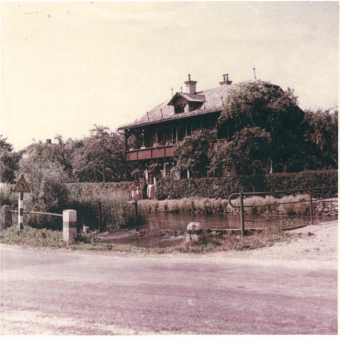 Russian Dacha in 1964, photo by Franc Bar