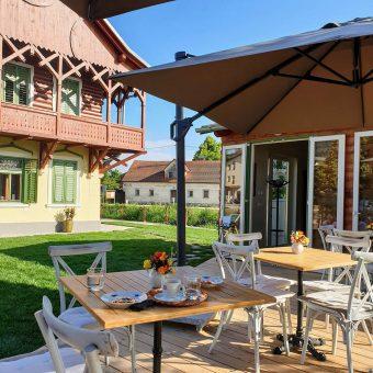 Garden Café at Russian Dacha