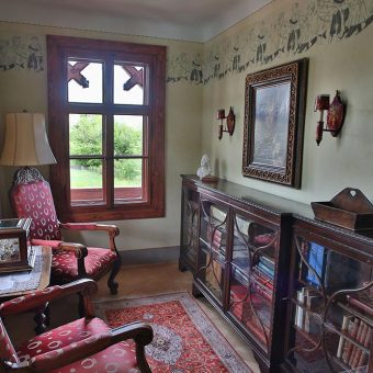 Guided tours and prices in Russian Dacha